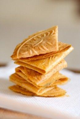 Malaysia Nyonya Pastry: Kuih Kapit - Crispy Love Letter