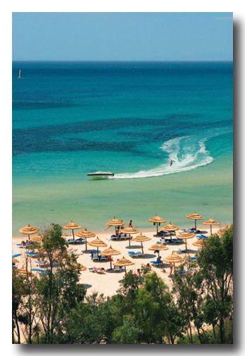 Hammamet heerlijk relaxen, geniet van de palmbomen, zon, zee en strand