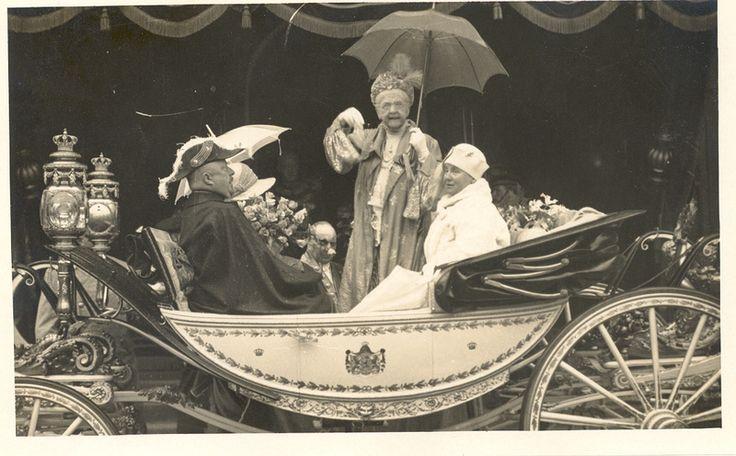 Koningin Emma, koningin Wilhelmina en prins Hendrik.