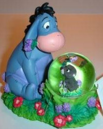 eeyore and beaver snow globe: Beaver Snow, Snow Globes, Snowglobes Let, Ornaments Clocks Snowglobes, Disney Esferas, Disney Snow, Disney Collector