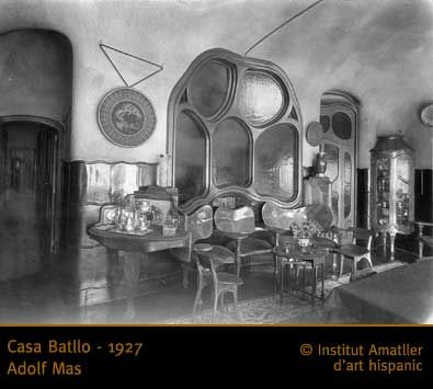 48 best casa batll history images on pinterest antoni gaudi gaudi and art nouveau - Casa luthier barcelona ...