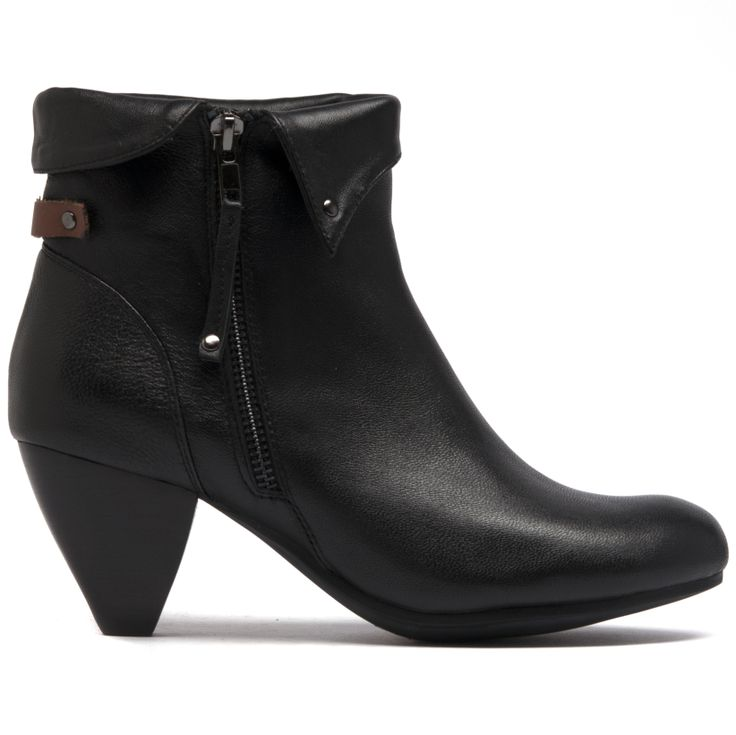Taine features a fold over cuff, zip and 7cm corn heel.