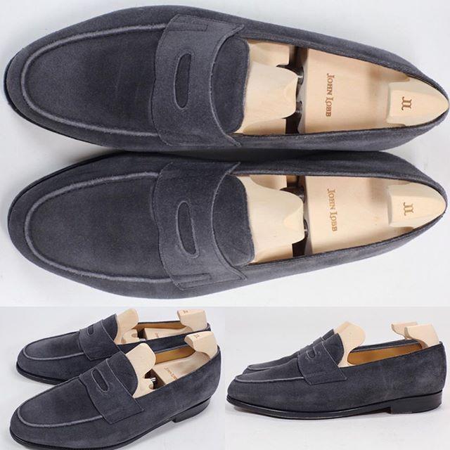 2017/11/04 00:04:17 shoesaholic1 JOHN LOBB LOPEZ. * 冬にも良く似合うスエードのロペスをご紹介します😁 * 同じスエードでもブラウン系よりもシャープな印象のグレースエードです。 * ITEM ID : 370 * #johnlobb  #シューホリック #shoes #Mensshoes #shoepolish #boots  #Mensfashion #bespoke #tailar #stylish #fashiongram #instastyle #lookbook #luxury #gentleman #styleforum #ootd #高級靴 #靴磨き #足元くら部 #足元倶楽部  #高級 #オールデン #パラブーツ #ジョンロブ #エドワードグリーン  #クロケットアンドジョーンズ
