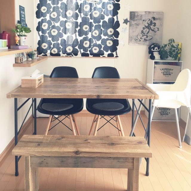 mikiさんの、My Desk,観葉植物,ダイソー,IKEA,DIY,マリメッコ,セリア,フランフラン,3Coins,WOODPRO,こどもと暮らす。,手作りロールスクリーン,ベストショットについての部屋写真