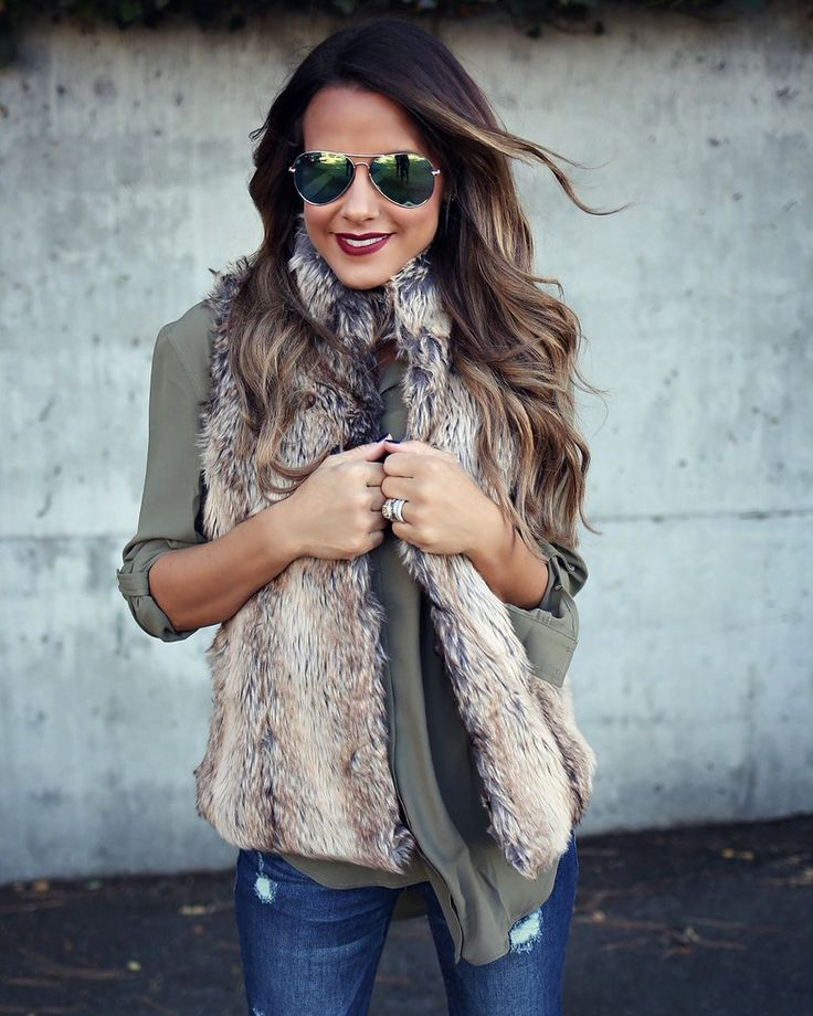 We had to bring our best selling vest back! Our Parker Vest is a stunning faux fur that'll be your staple for fall. The taupe and black fur offers a natural feel on this mock collar vest that has a mi