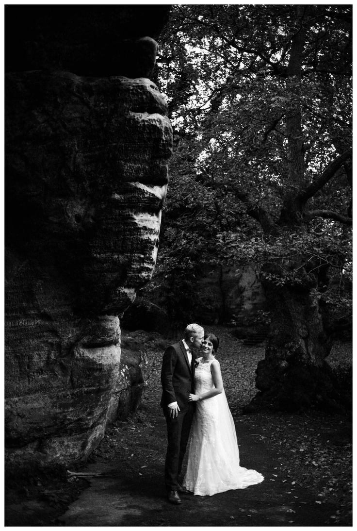 black and white portrait of bride and groom at high rocks cliffs www.ellen-richardson-weddings.com