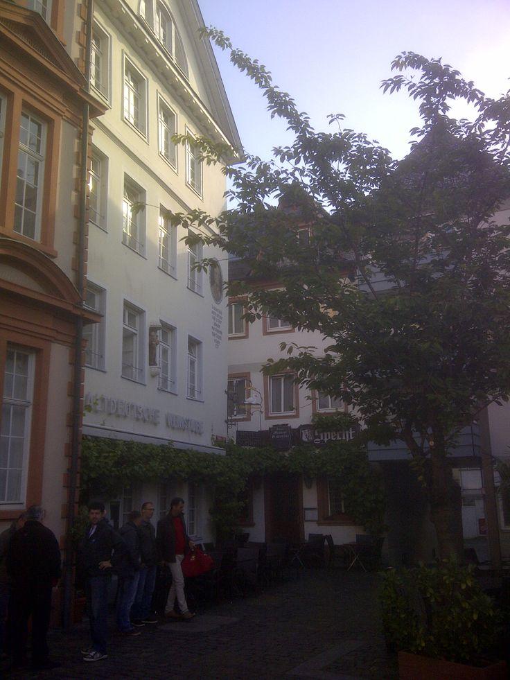 Altdeutsche Weinstube near Gutenberg Museum, Mainz, 13th May 2014