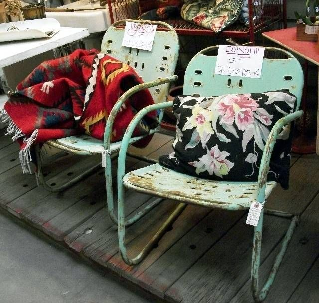 Where to Find Vintage Garden Furniture | Cheap Patio Furniture at the Antique Store | One-of-a-Kind and Cheap Vintage Patio Furniture