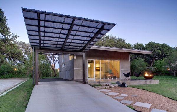 Дизайн дома с простым навесом из металла