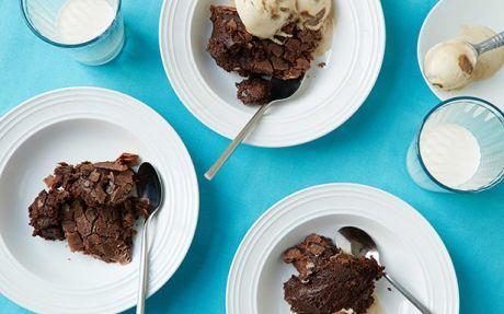 Slow Cooker Gooey Brownie Cake