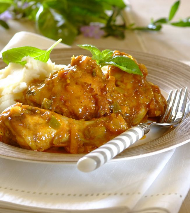 BBQ #Chakalaka Chicken: these sweet and spicy  chicken pieces make a delicious and easy weekday meal! Chakalaka is a much-loved spicy South African relish. If you can't find it in a tin, use this recipe to make your own: https://whatsfordinner.co.za/recipes/chakalaka/1808
