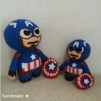 Big & small Captain America #handmake #handmade #civilwar #marvel #marvellegends #MarvelComics #marveluniverse #etsy #etsyfind #tonystark #ironman #captainamerica #wintersoldier #buckybarnes #avengers #teamcap #teamironman #первыймститель