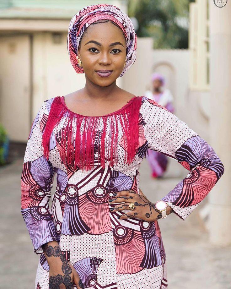 Just gorgeous  . . . . . . . . . . . . . . . . . . . .  #Mkphotography4 #bellanaija #naijaweddings #asoebi #owanbe #styleblogger #lifestyleblogger #beautyblogger #potd #weddings #naijalifemagazine #beautifulgirls #ladies #abuja #africanskillingit #africanqueen #africanpride #ankara #traditional #nigeria  #queening #beautiful #fashionista #slay #slayer  #trend #traditionalweddings #africansweetheartweddings #africa #Pretty