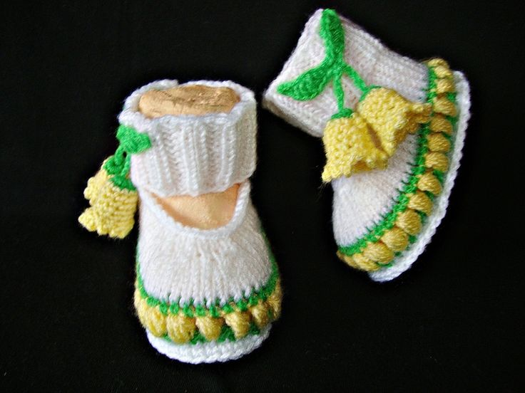 Handgestrickte Babyschuhe -  Ballerinas   von Maschenlädchen auf DaWanda.com