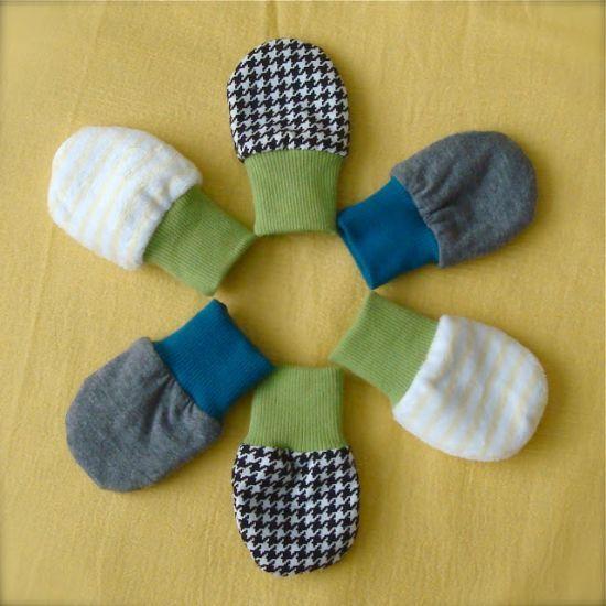 Luvas para bebê em tecido aquecem e são fácies de serem feitas (Foto: treasuresunderthewillowtree.blogspot.com.br)