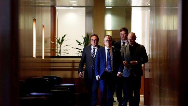 El DNI catalán un banco público doble nacionalidad: el 155 paraliza el plan para desarrollar la independencia