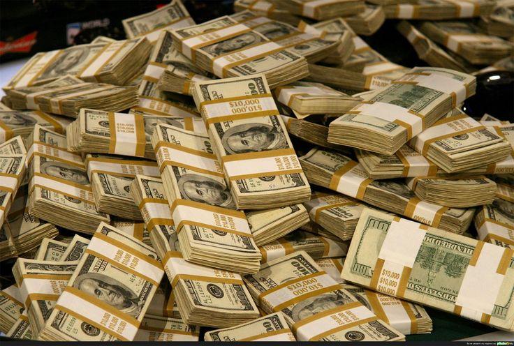 #деньги #книги   Хочу столько денег, чтобы в них можно было книги прятать…