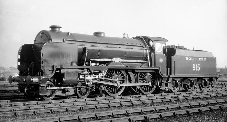 Southern Railway  Maunsell Schools class 4-4-0 No 519 'Brighton'