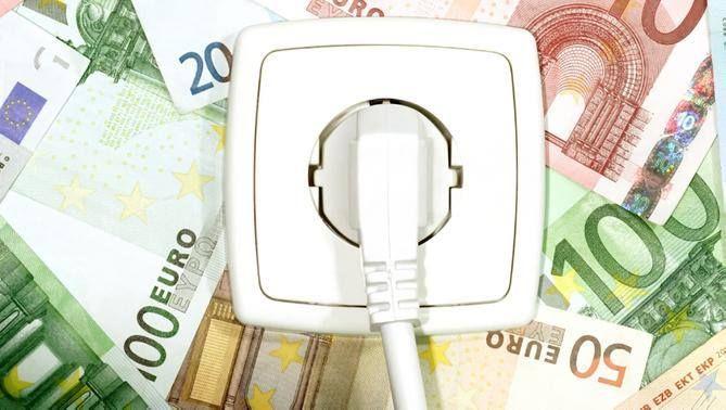 Los nuevos aparatos y equipos están diseñados para ahorrar energía. Sin embargo, algunos productos son más eficientes que otros. Saber cómo interpretar el Factor Energia le ahorrará más euros de energía a largo plazo. Visite este enlace aquí http://www.ahorradorluz.com/factor-energia/ para obtener más información Factor Energia.