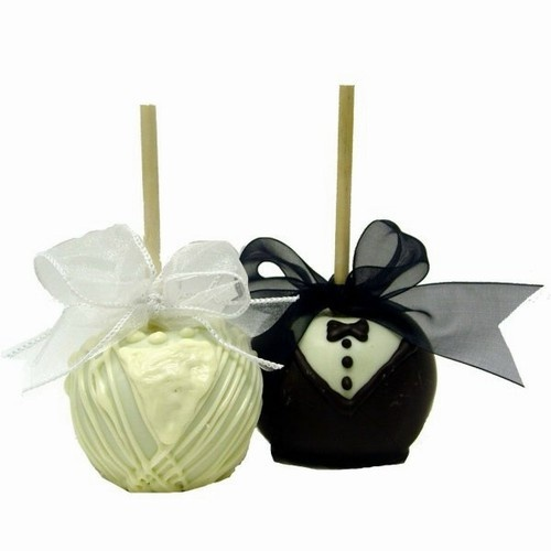 Cake pop wedding favors