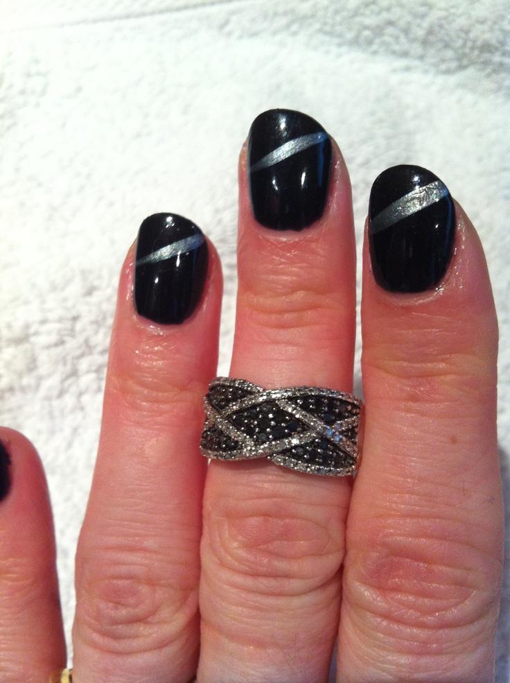 Nails - Black shellac and silver striper