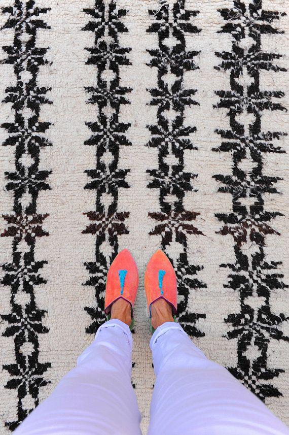 """QUEEN OF FLOWERS 7'6"""" x 4'7"""" Boucherouite Rug. Tapis Moroccan. Teppich Berber…"""