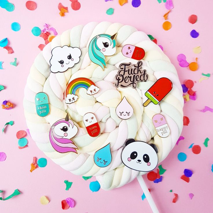 All cute pins are by Studio Inktvis