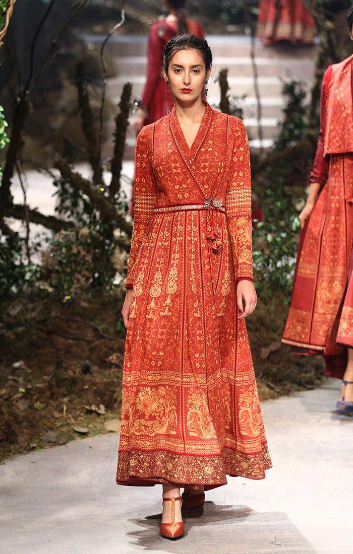 TARUN TAHILIANI AND AMIT AGGARWAL Fall/Winter 2017 collection INDIA FASHION WEEK