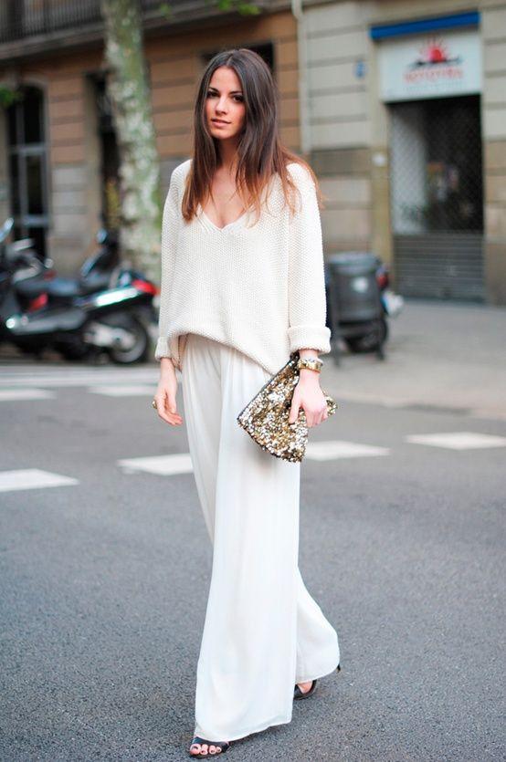 All white. Pantalón ancho blanco con jersey ancho blanco