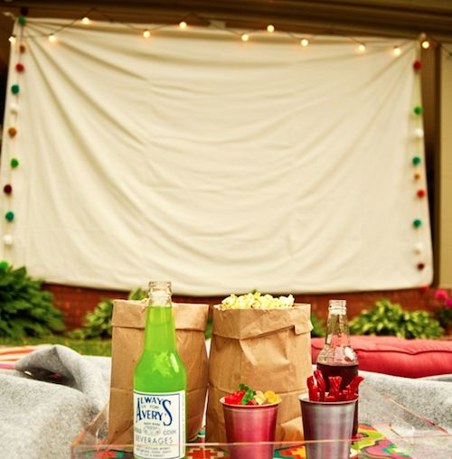 How to host an Outdoor Movie Party in 5 Easy Steps.: Date Night, Diy'S Idea, Backyard Movies, Summer Party, Party Idea, Movies Party, Outdoor Movies Night, Movie Nights, Movies Theater