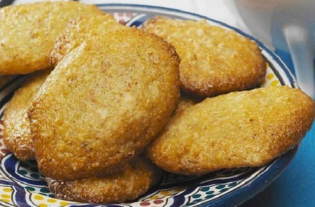 Receita de Broas de Batata-doce com Coco e Amêndoa   Doces Regionais