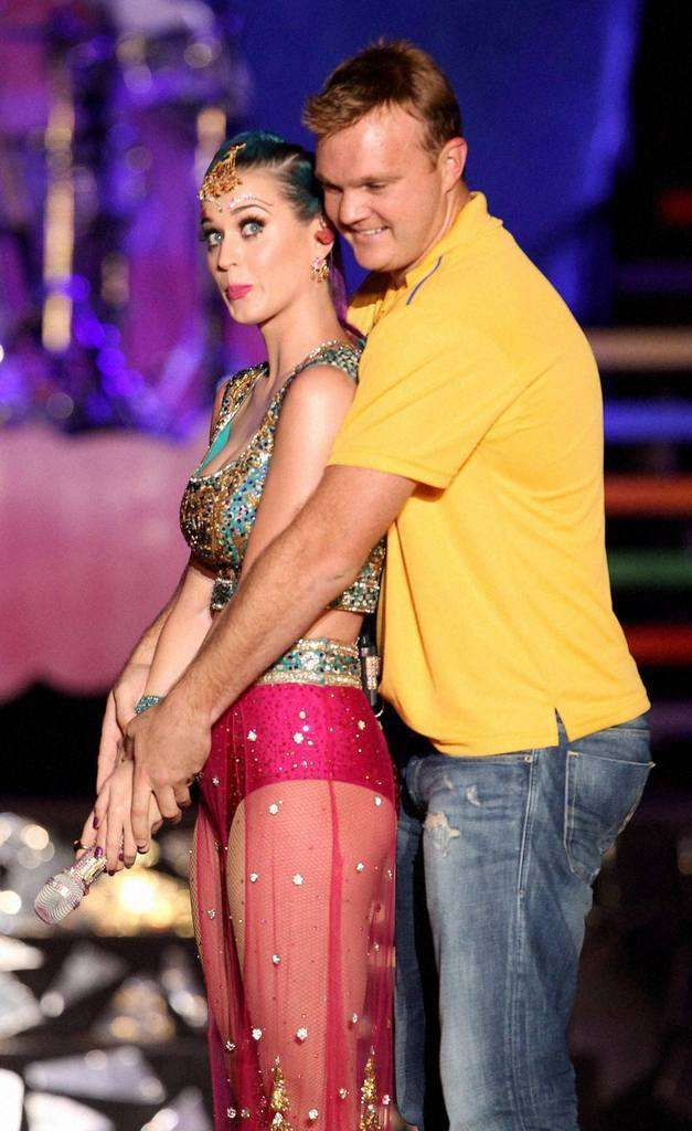 Katy Perry learns how to hold Cricket Bat. Keep up the good work Doug!