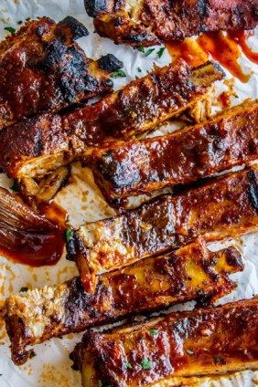 Fall-Off-The-Bone Ribs and Barbecue Sauce