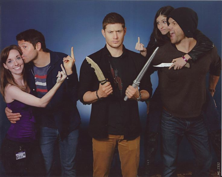 So I went to the Supernatural convention in Jacksonville this past weekend with my best friend….When my bestie told me we were going to do a photo op with the trio, I was beyond excited. We had to make sure that it was absolutely hilarious to match their ridiculous personalities. And I think we did a pretty damn good job. Jared and Jensen's faces really help to bring it all together.And yes, they were totally okay with this and extremely amused by it.Also, let it be known that I was c...