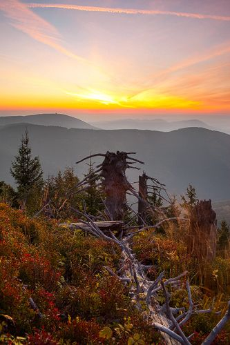 Czech Republic, Beskydy Mountains Photos Milan Sofer . Západ slunce pohledem z Kněhyně