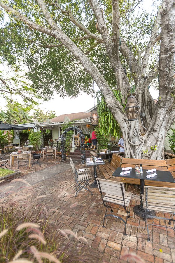 Outdoor dining at Dada Restaurant in Delray Beach, Florida