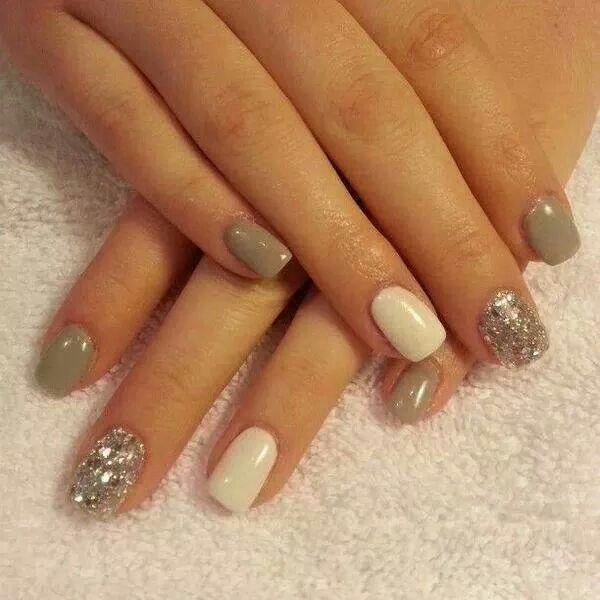 Mushroom colour nails