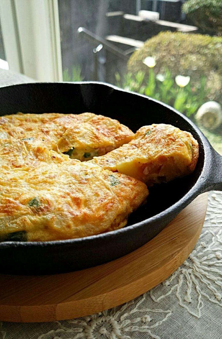 高野裕子's dish photo スキレットでスパニッシュオムレツ | http://snapdish.co #SnapDish #オムレツ