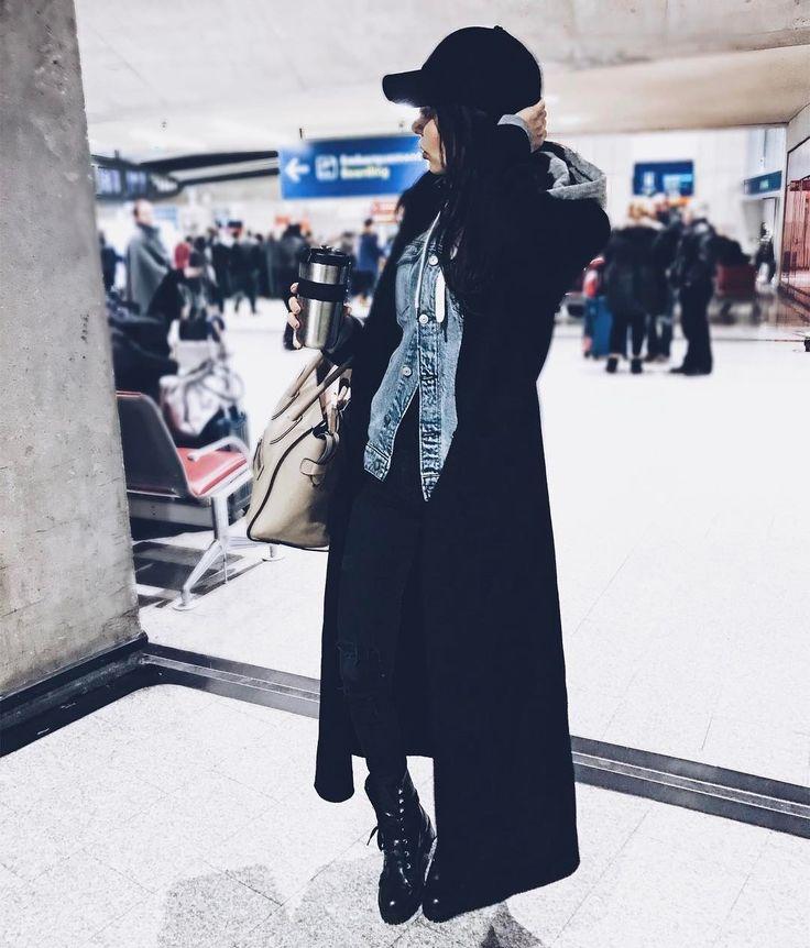 🌎Youtuber/Blogger/Traveler  👠Beauty, Fashion and Lifestyle  🍍Love my Sananas family💚 📧 contact@sananas2106.com 👻Snap Sananas-2106 ⬇️Mes videos⬇️