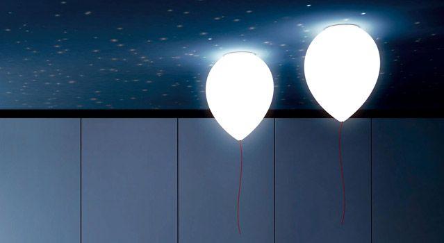 Estas lámparas tan bonitas con forma de globo son de la empresa Estiluz, que vende sus productos en más de 45 países. Un diseño de lámpara único y original, que puede instalarse tanto en la pared como en el techo. Las lámparas de Estiluz son de gran calidad y decoran un montón. ¿No son
