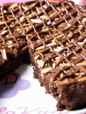 Muccasbronza: Brownie alle nocciole e nutella...ovvero : il suicidio in diretta del mio fegato!