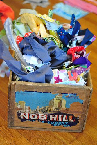 How to Sort and Organize Fabric Scraps http://www.craftbuds.com/how-to-sort-and-organize-fabric-scraps/