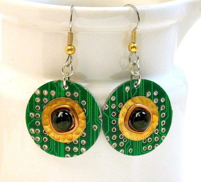 Recycelten Platinen hergestellt Ohrringe von DebbyAremDesigns auf DaWanda.com