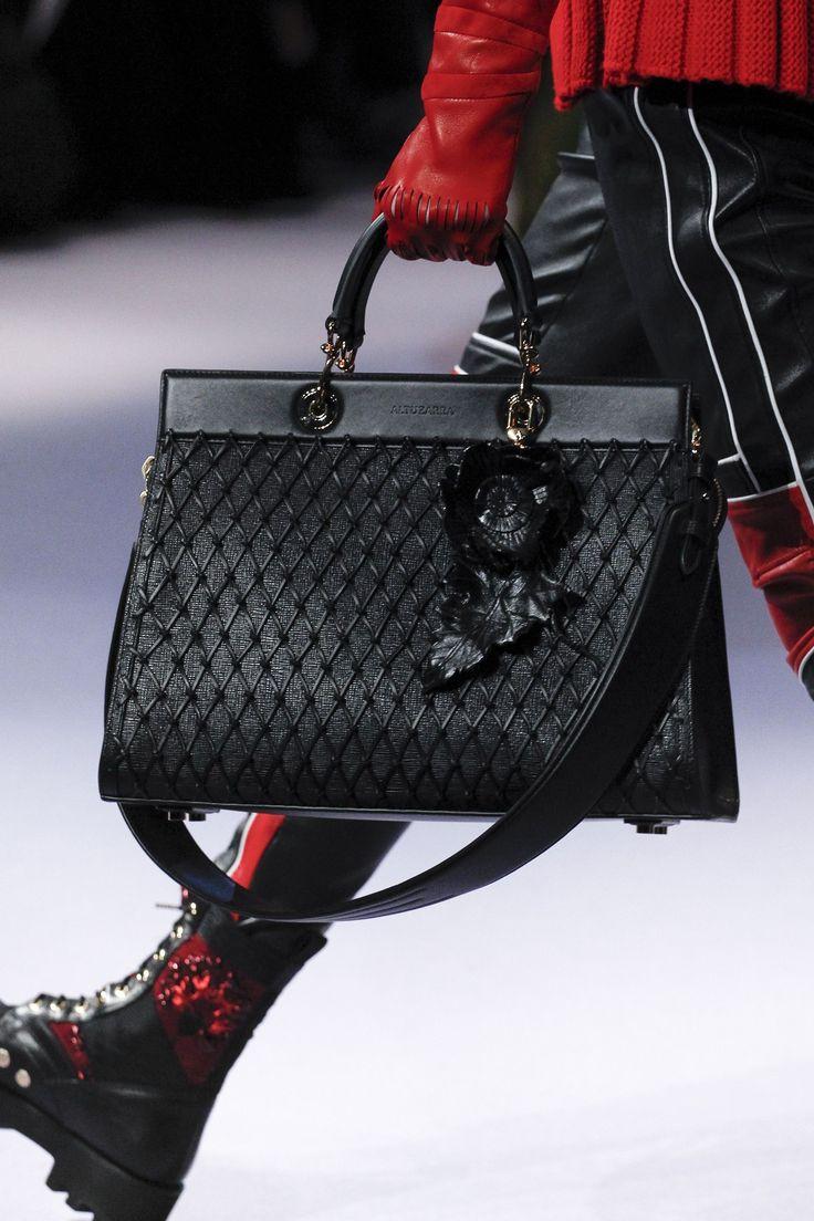 Altuzarra Autumn Winter 2017 Ready To Wear Gucci Handbagsfashion Handbagsdesigner