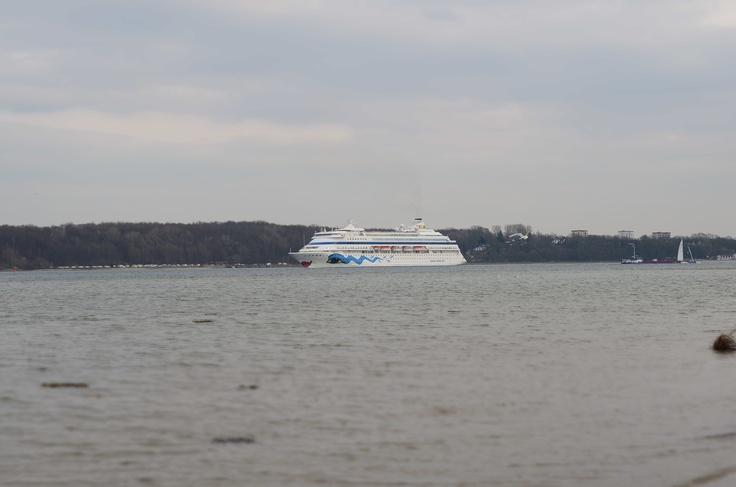 Passagierschiff auf der Kieler Förde