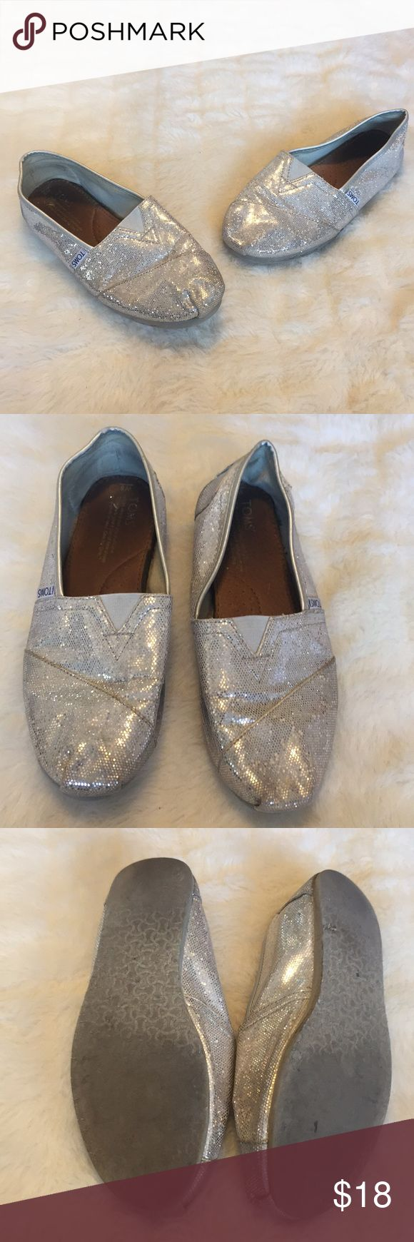 Sparkly Silver TOMS Espadrilles 8 Adorable Sparkly Silver TOMS Espadrilles. Size 8. Pre-worn, but still have a ton of life left in them. Super fun for spring & summer! Toms Shoes Espadrilles