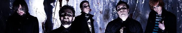 """D8 Dimension – alternative metal da Livorno. """"Octocrura"""", """"EP esteso"""", come definisce la band stessa, prodotto all'insegna della politica del""""DIY"""", è da pochi mesi in vendita sulle varie piattaforme digitali che si trovano in rete. ID8 Dimension hanno le idee chiare e la nuova componente elettronica, dosata con intelligenza, dona originalità al sound dellaband. Background alternative metal dal sapore 90's, che a sprazzi, ricorda band come Disturbed, Incubus, Rammstein e Faith No More."""