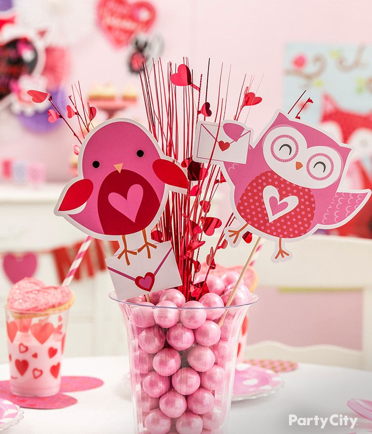 92 best images about valentine 39 s day party ideas on for Heart shaped decorations home