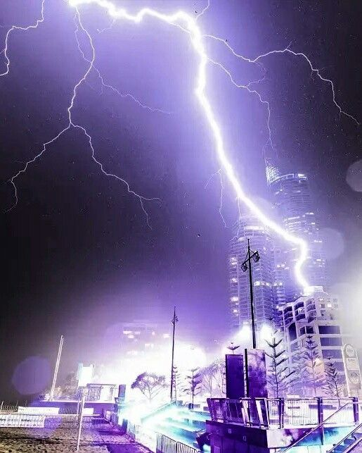 What a striking picture! Incredible moment lightning bolt blasts building just metres from photographer