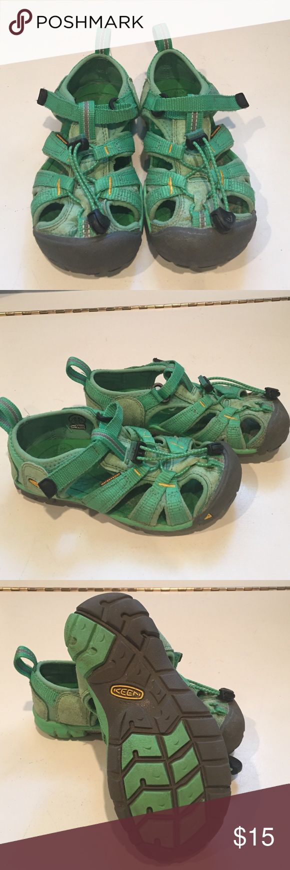 Keen kids water outdoor shoes sz 11 Great condition Keen kids green water outdoor shoes Keen Shoes